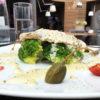 Филе индейки Пикатта на гриле с овощами, каперсами и брокколи