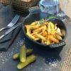 Жареный с грибами картофель на сковородке