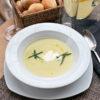 Картофельный суп  с подкопченной страчателлой, петрушкой и трюфельным маслом
