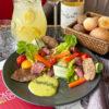 Салат с телятиной и укропным майонезом